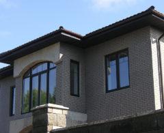 Водостоки для крыши дома